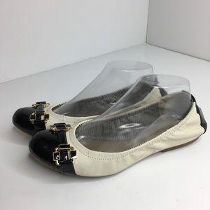 Tahari 9 Gloria Cap toe leather ballet buckle flat